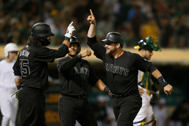 Stephen Vogt HR Caps Giants' 8-Run Eighth to Beat A's