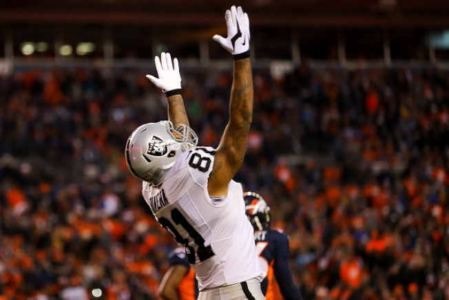 Mack and Carr Deliver a Victory Over Broncos
