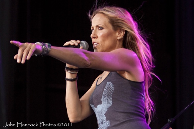 Sheryl Crow's Vintage Mercedes Brings $260,000 For Tornado Relief