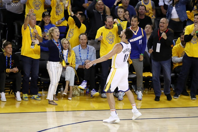 Google, Warriors Please Crowd With Unprecedented Giveaway