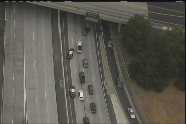 Live Electrical Wire on Fire, Shuts Route 85 in Sunnyvale