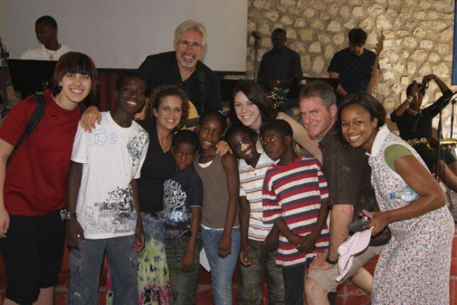 California Missionaries Airlifted From Haiti to Home