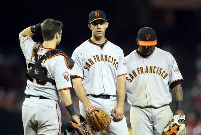 Giants Fall in Extra Innings