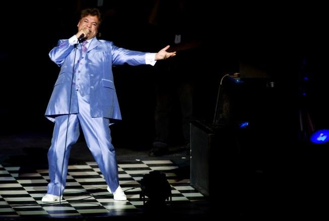 [LA GALLERY] Fans Mourn Mexican Singer Juan Gabriel