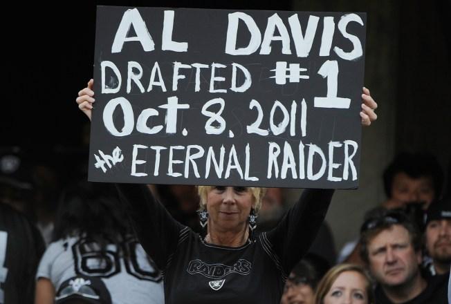 Raiders Tweet News of Al Davis Memorial