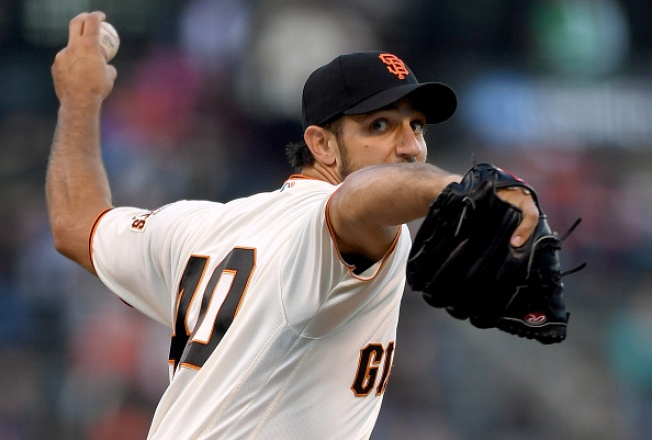 Giants Back Bumgarner, Beat Padres