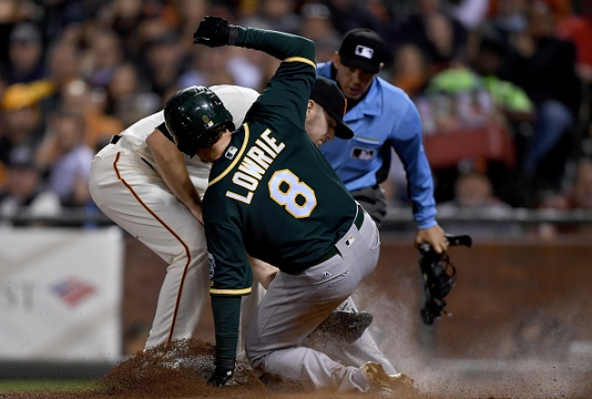 A's Jump on Samardzija, Defeat Giants in Bay Bridge Series Opener