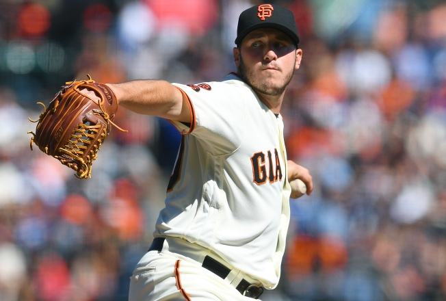 Blach Beats Kershaw, Giants Take Lead Into Final Day