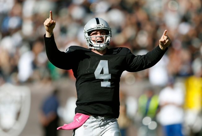 Raiders, Carr Thrive in More Wide-Open Approach
