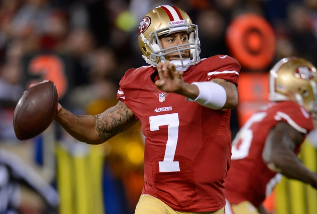 Kaepernick Dazzles in 49ers' Big Win