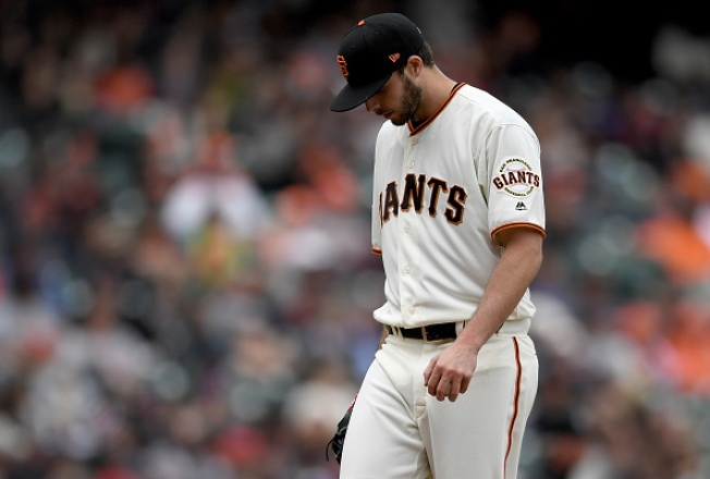 Suarez Pitches Well in Debut, Pays For Mistakes in Giants Loss to Diamondbacks