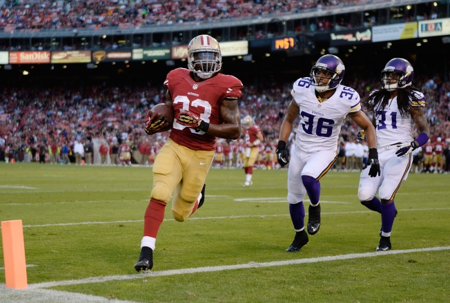 Niners' Hampton Suddenly in Running Back Mix
