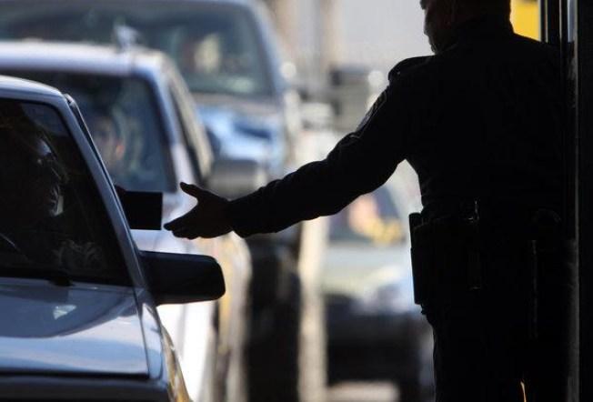 NM Cop Arrested at U.S. Border