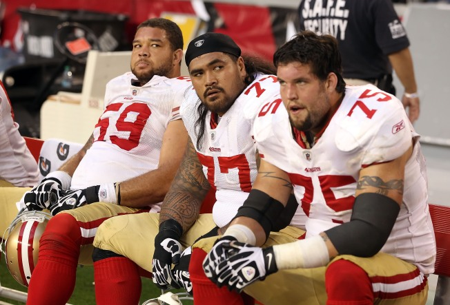 Niners' Boone Winning Right Guard Job With Physical Approach