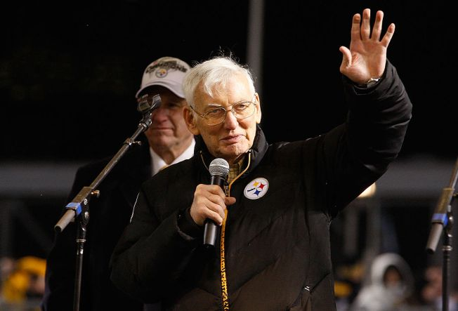 Pittsburgh Steelers Chairman Dan Rooney Dies at 84