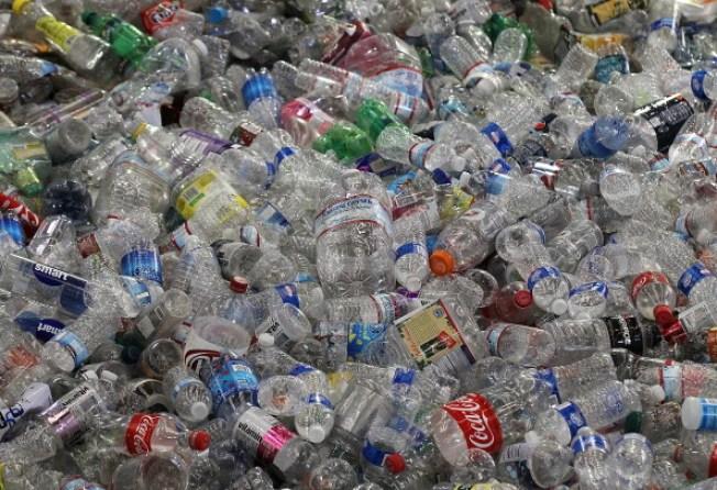 Berkeley to Ban Bottled Water?