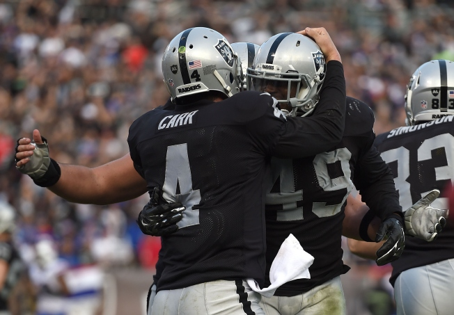 Raiders Surprise Bills to Win Third Straight at Home