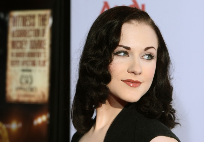 Evan Rachel Wood & Marilyn Manson Back Together; Alexander Skarsgard Shrugs Off Romance Rumors