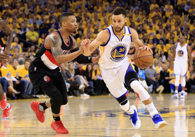 Warriors Set Pace Early, Make Easy Work of Blazers in Game 2