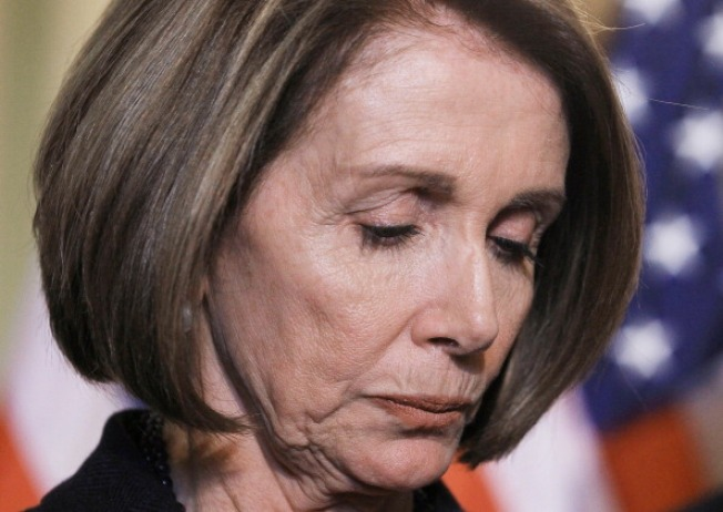 Pelosi Leads Moment of Silence for Shooting Victims