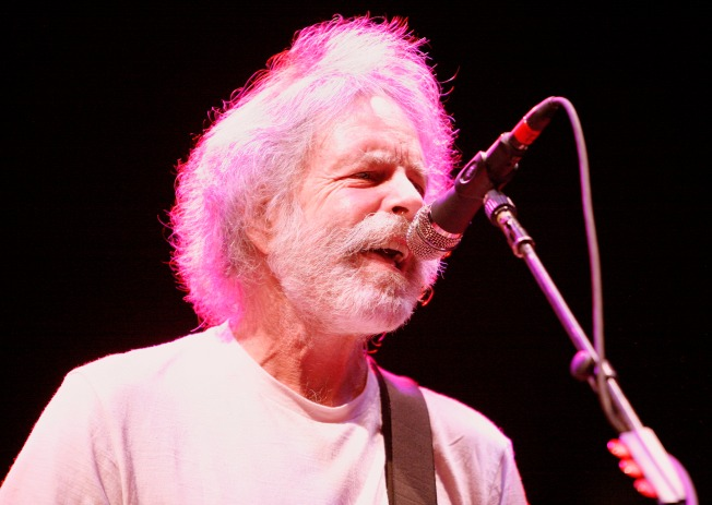 Seeking Tickets, Grateful Dead Fans Worldwide Flood Stinson Beach With Mail