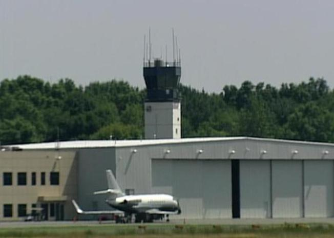 Teterboro Air Traffic Controller Locked Himself Out for 43 Mins