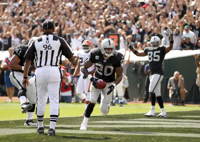 Raiders Hope McFadden Will be Ready for Broncos