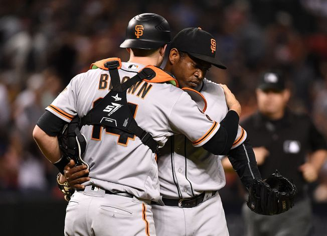 Bullpen Blows Up in Eighth, Giants Fall to D'Backs in Arizona