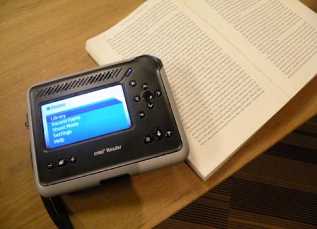Intel Reader Reads the Text for You