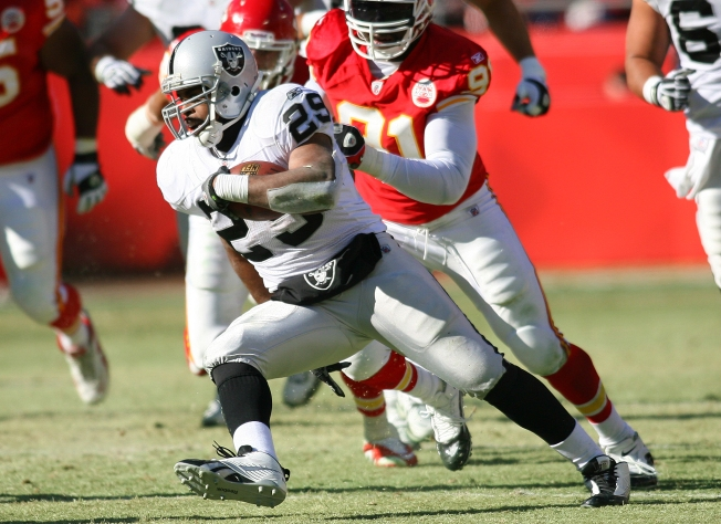 Raiders Beat Chiefs in Season Finale
