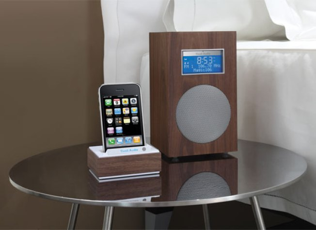 7 Non-Apple Gifts for Apple-Lovers