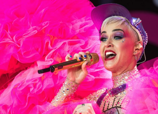 Katy Perry Isn't Too Gay to Play the Bay