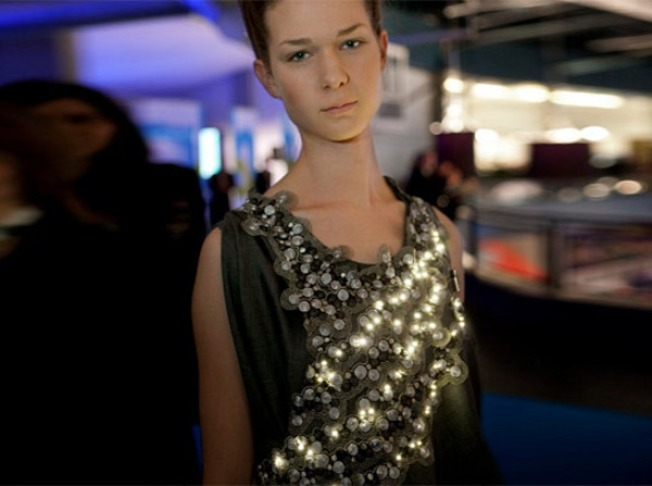 LED Dress Lights Up for Pollution, Not the Holidays