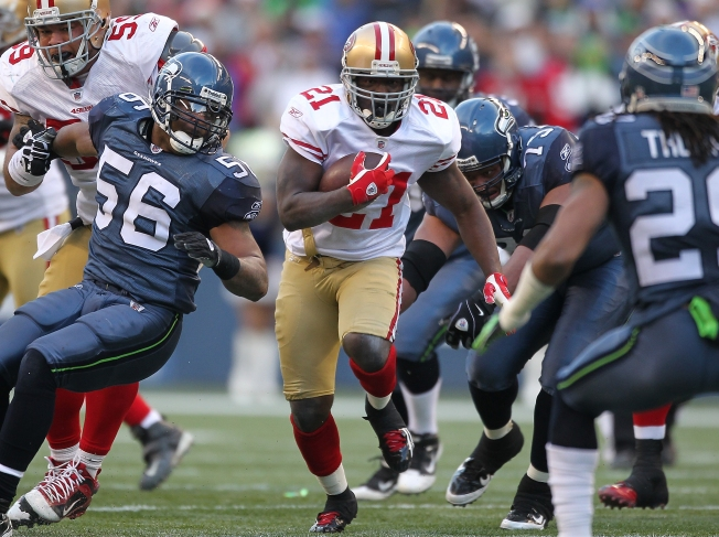 Niners Rally to Beat Seattle, Gain Edge for No. 2 Playoff Seed