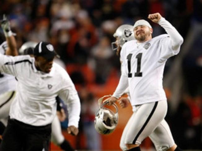Raiders Make Janikowski Richest Kicker Ever
