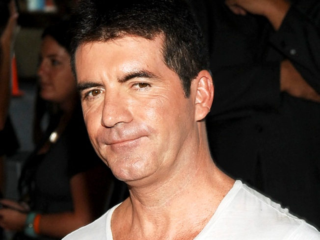Report: Simon Cowell Reaches New 'Idol' Deal