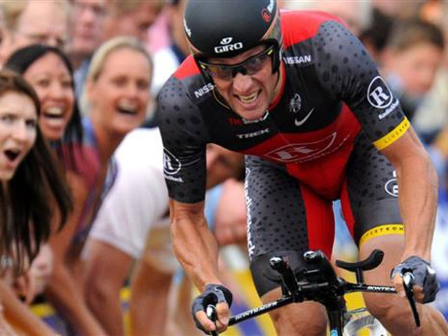 Armstrong Sends Message on First Day of Tour