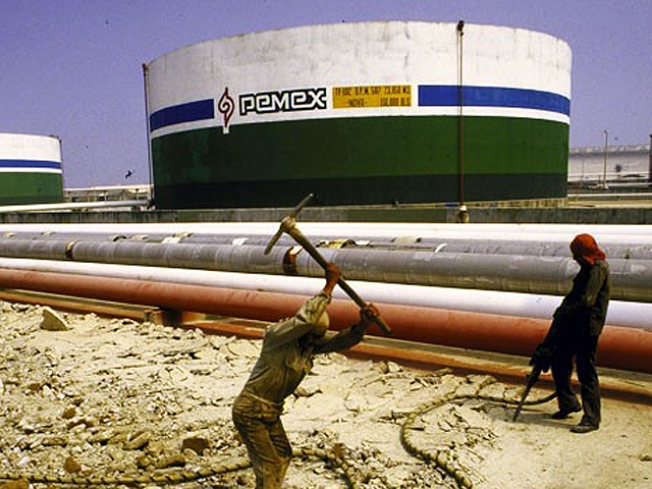 Drug Cartels Sell Stolen Oil to U.S.