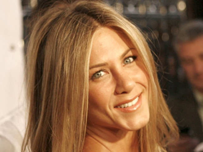 Jennifer Aniston: Lonely Girl Label Is Bull