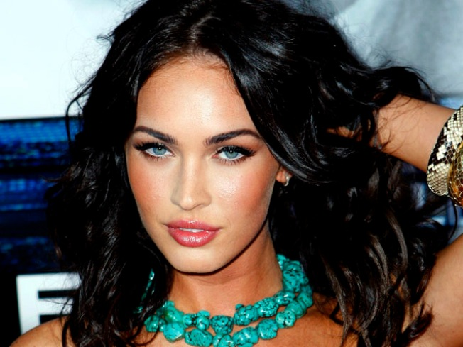 Megan Fox, Hugh Jackman To Appear At 'Scream 2009'