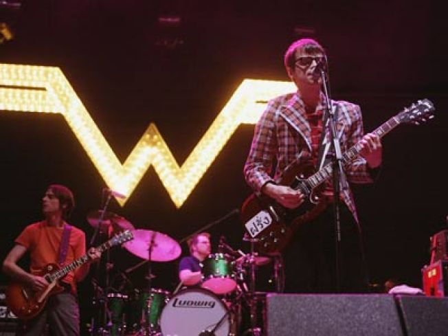 Weezer Returns With No Strings Attached