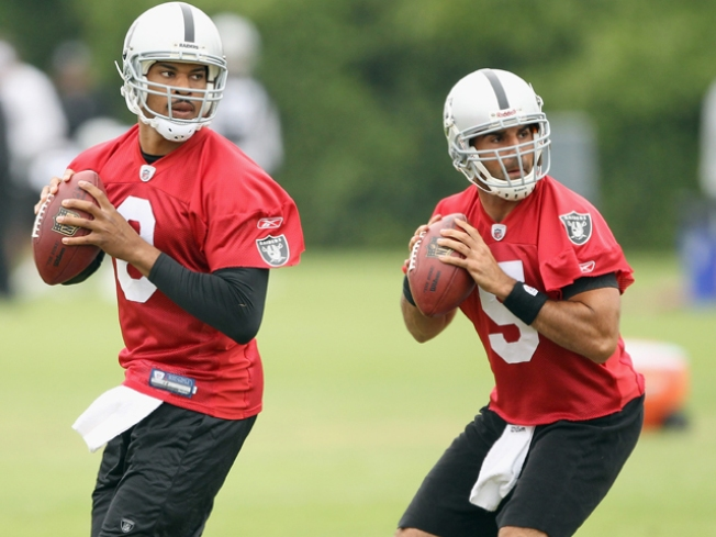 Raiders Not Saying Who's Playing QB