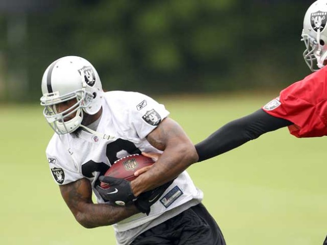 McFadden Ahead in Raiders Race