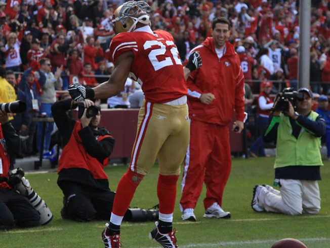 49ers Embarrass Seahawks in 40-21 Win