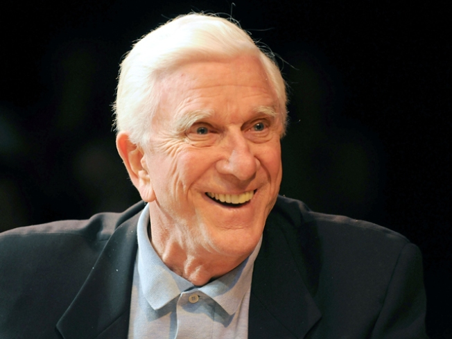 """Naked Gun"" Actor Leslie Nielsen Dies at 84"