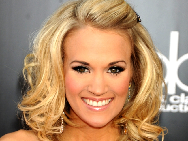 Carrie Underwood to Perform Super Bowl National Anthem