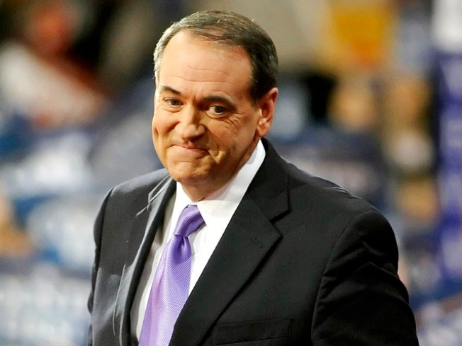 Huckabee takes first in straw poll