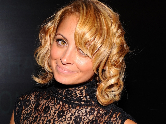 Nicole Richie Selects Wedding Dress