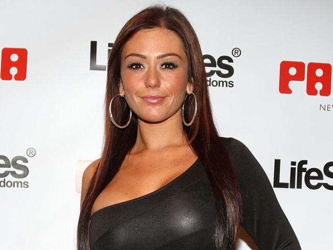 Jwoww to Pen Advice Book