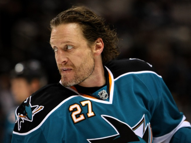 Jeremy Roenick Hangs Up His Skates